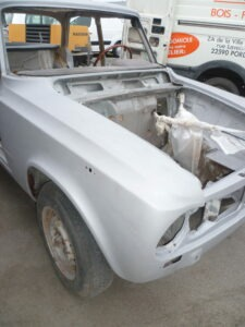 aérogommage de carrosserie d' une Alfa Roméo