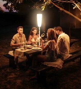 Pique nique nocturne avec la lampe Paranocta