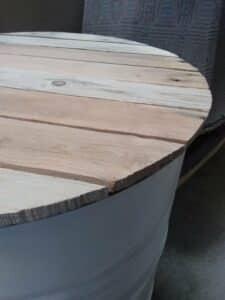 """Plateau de table """" l' authentique"""" en bois de palette recyclé."""